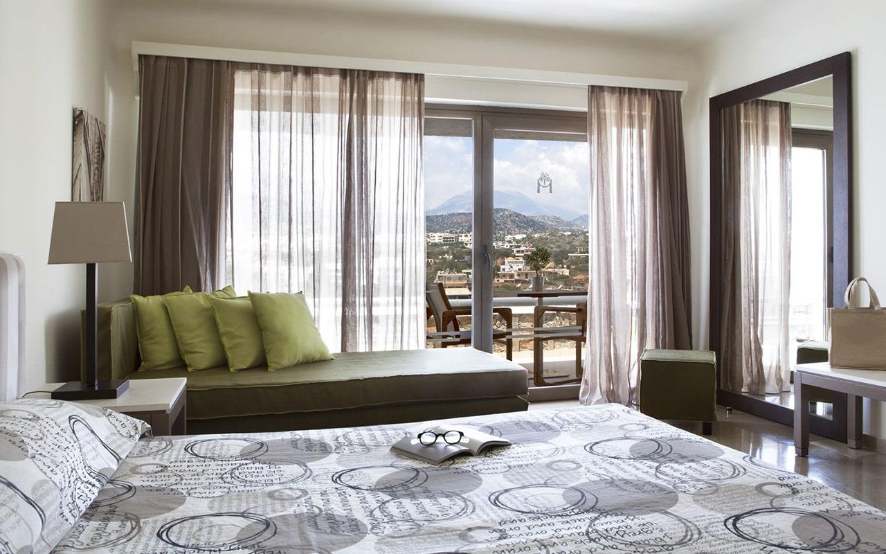 One-bedroom-Suite-upper-deck-sea-view5-min