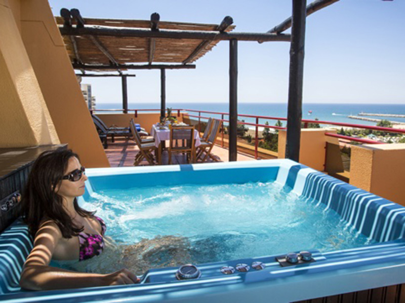 PRESIDENTIAL SUITE WITH TERRACE AND JACUZZI