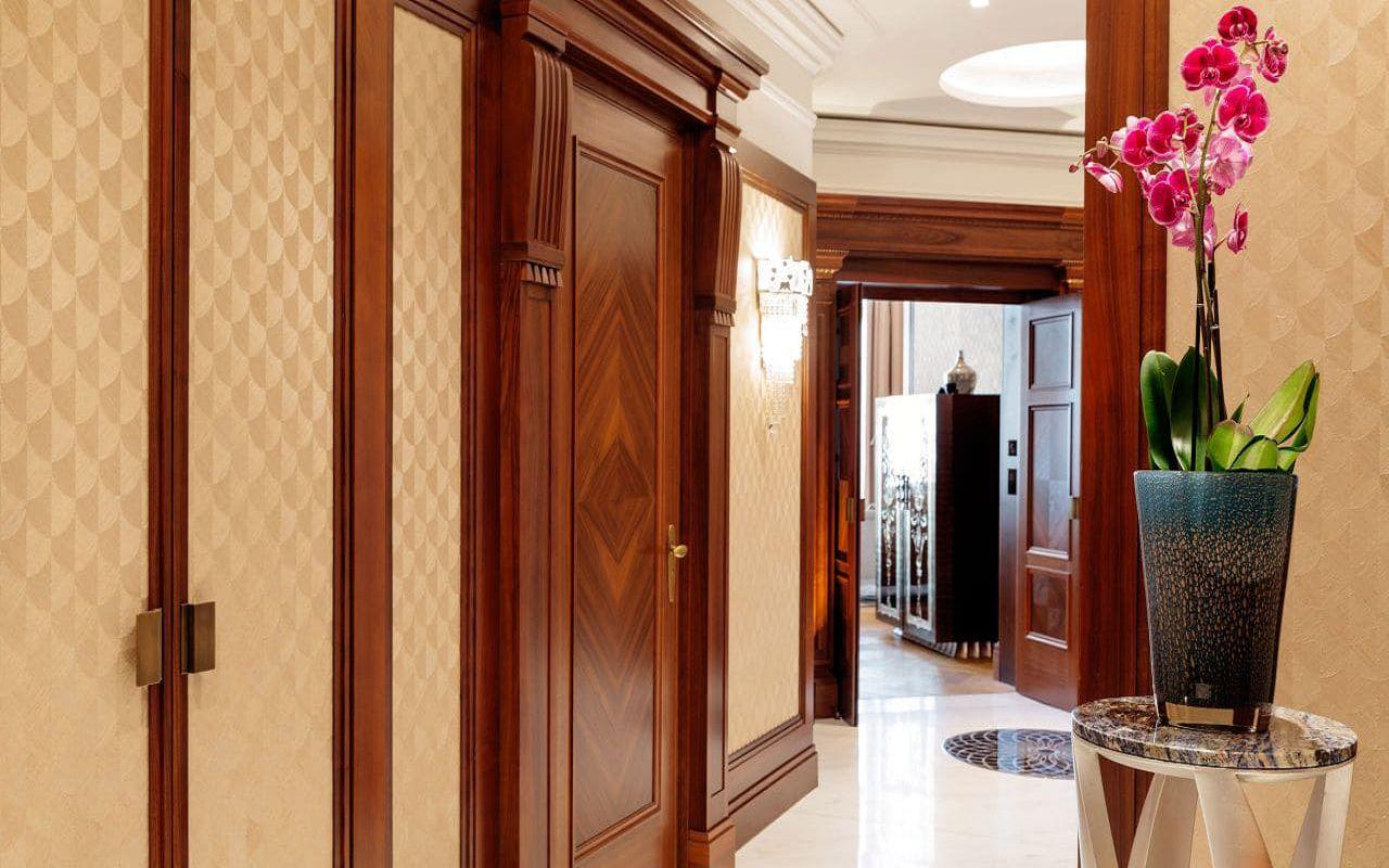 Park-Hyatt-Vienna-P678-Presidential-Suite-Hallway.16x9.adapt.1280.720