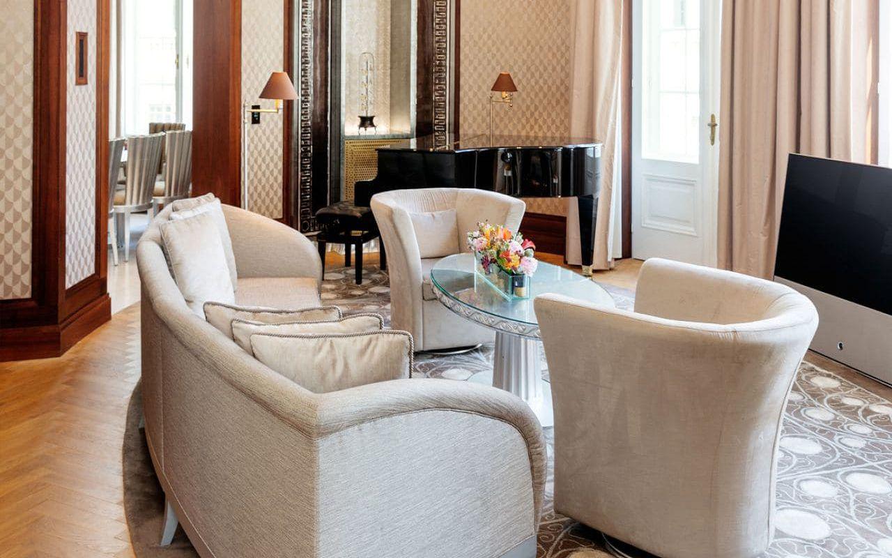 Park-Hyatt-Vienna-P680-Presidential-Suite-Living-Room.16x9.adapt.1280.720