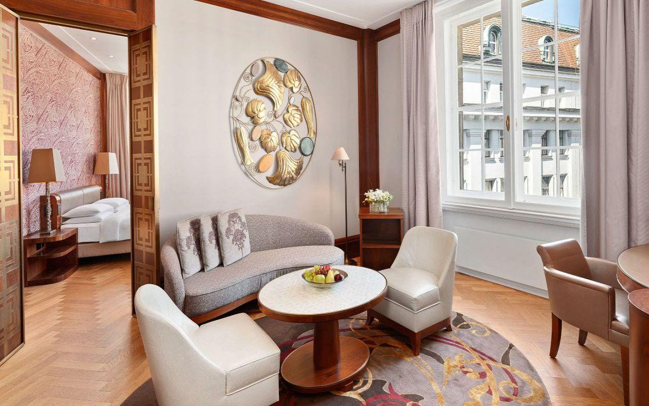 Park-Hyatt-Vienna-P815-Park-Suite-Living-Room.16x9.adapt.1280.720