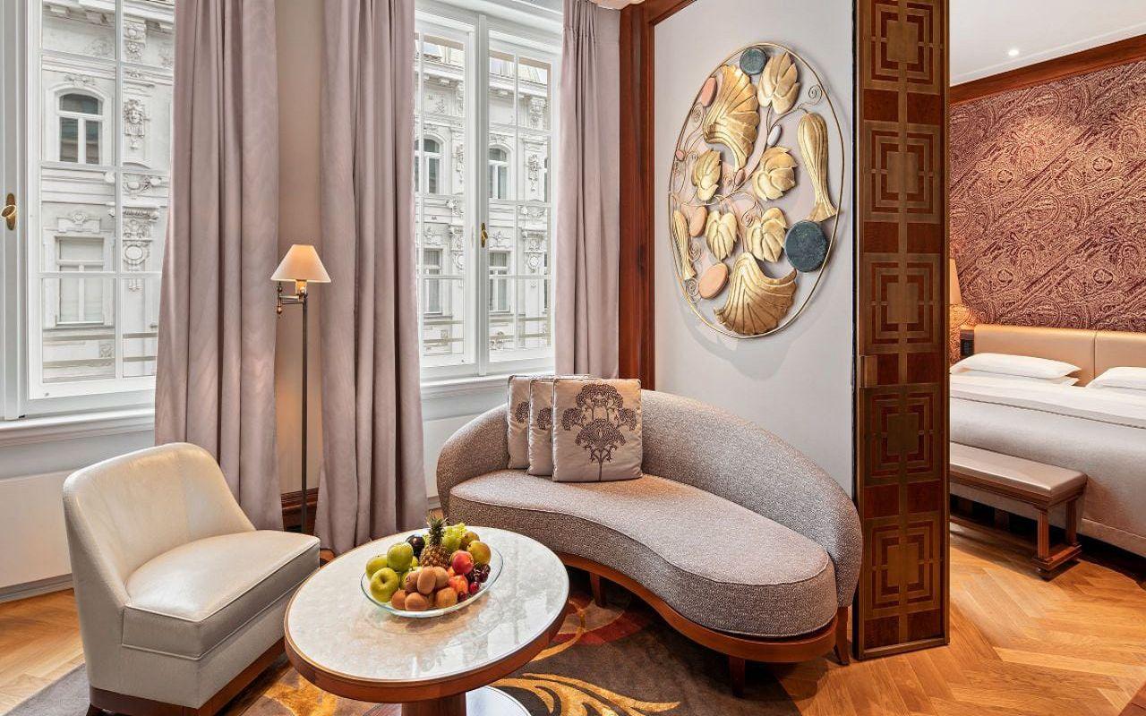 Park-Hyatt-Vienna-P816-Park-Suite-Living-Room.16x9.adapt.1280.720
