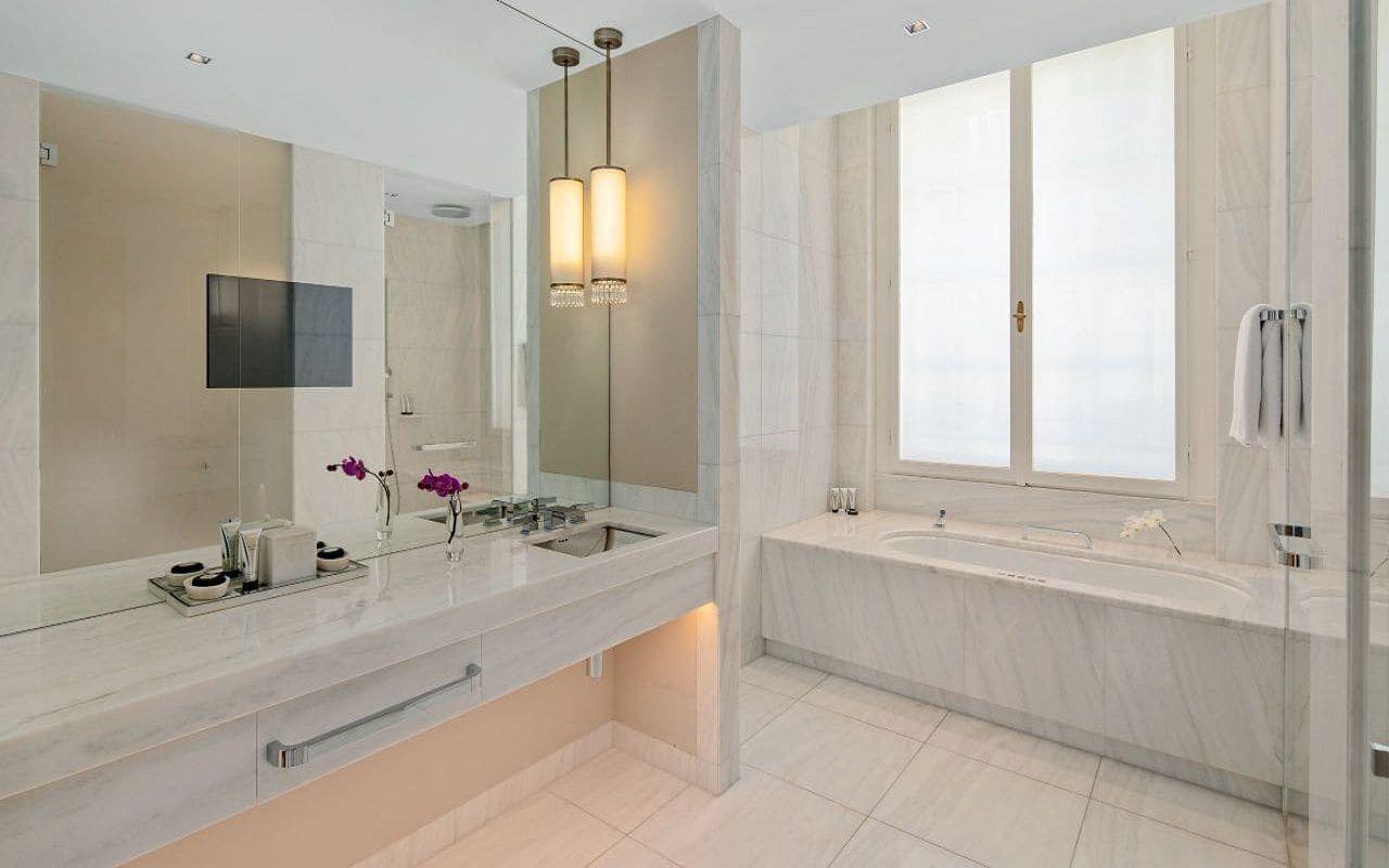 Park-Hyatt-Vienna-P822-Park-Suite-Bathroom.16x9.adapt.1280.720