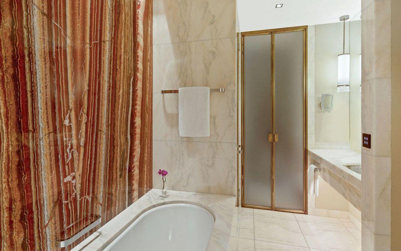 Park-Hyatt-Vienna-P823-Park-Suite-Bathroom.16x9.adapt.1280.720