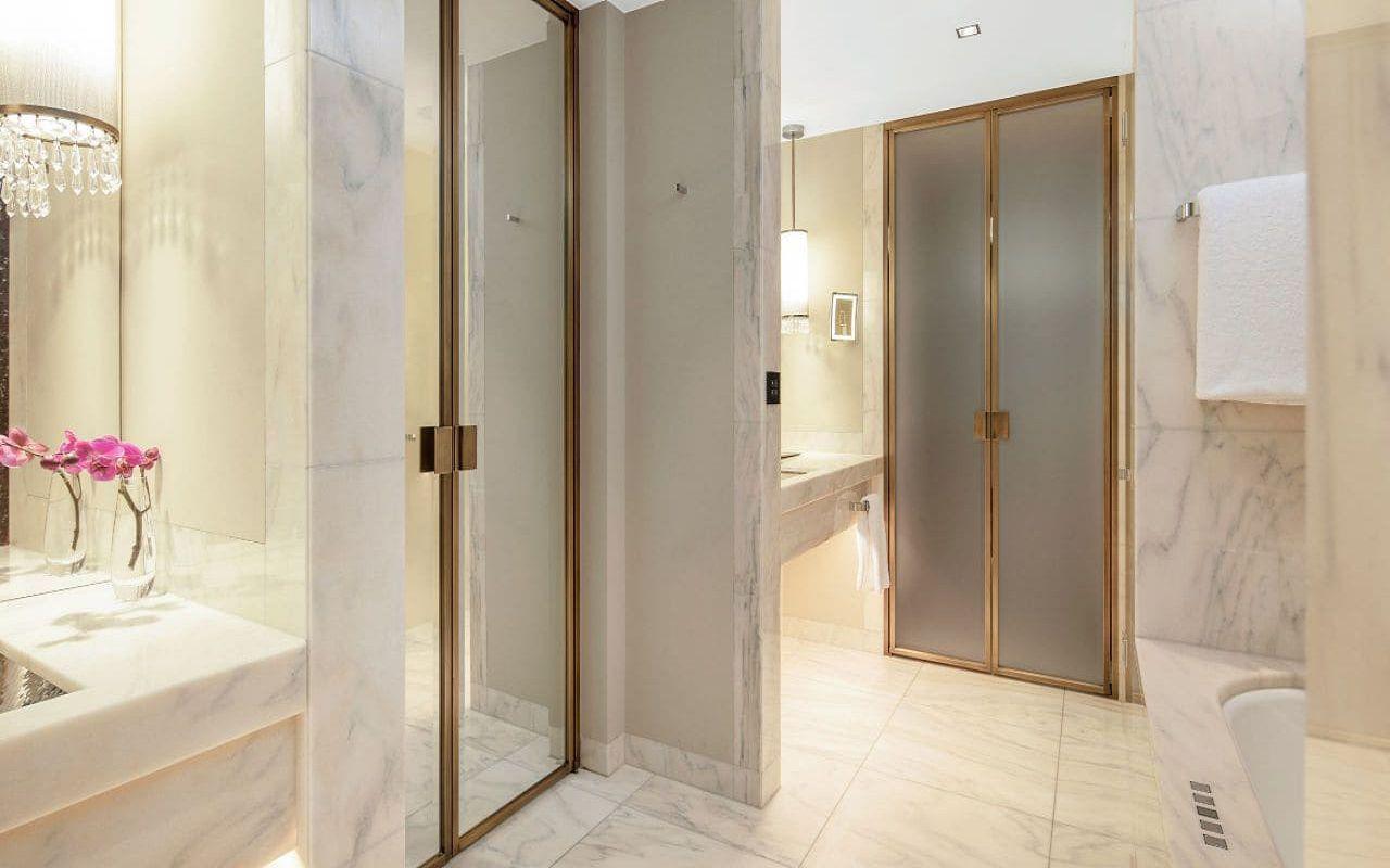 Park-Hyatt-Vienna-P832-Junior-Suite-Twin-Bathroom.16x9.adapt.1280.720