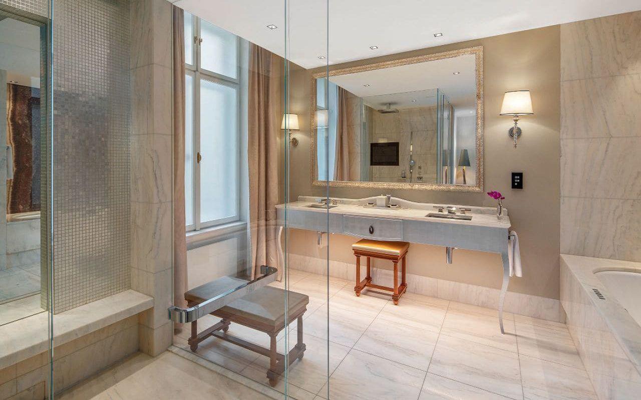 Park-Hyatt-Vienna-P835-Ambassador-Suite-Bathroom.16x9.adapt.1280.720