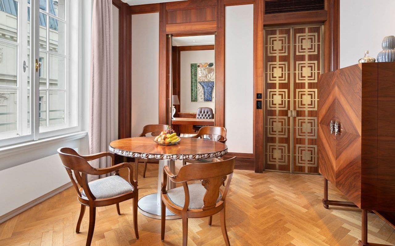 Park-Hyatt-Vienna-P839-Diplomat-Suite-Dining-Space.16x9.adapt.1280.720