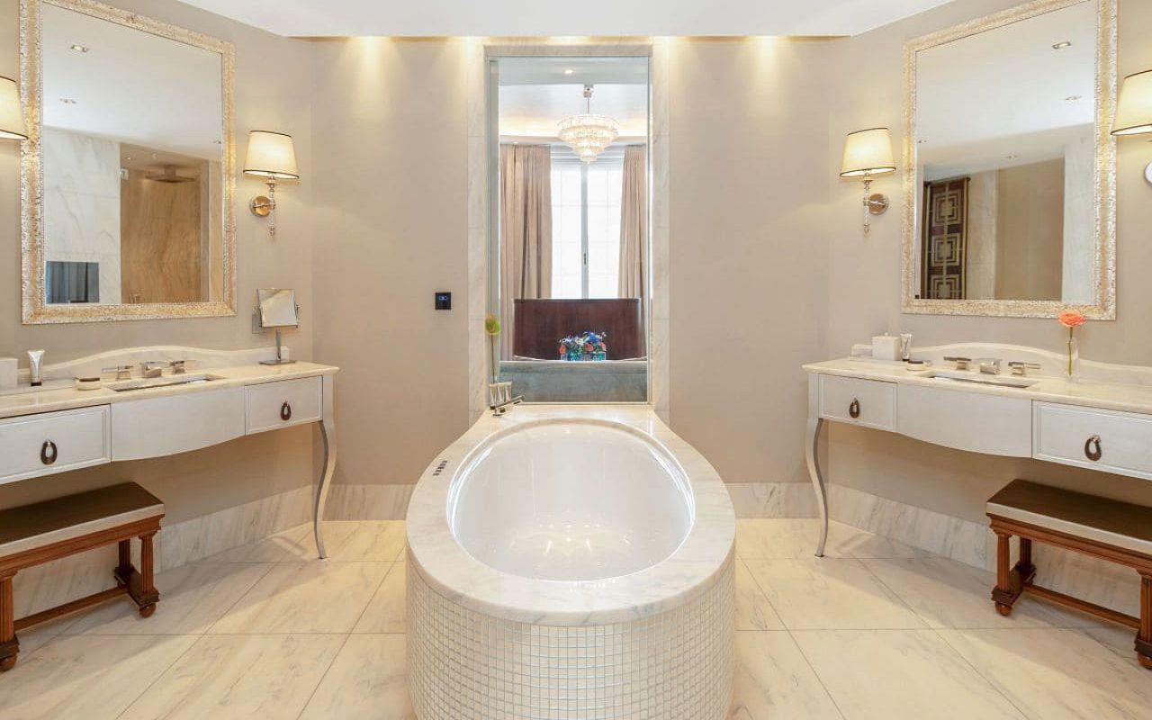 Park-Hyatt-Vienna-P843-Diplomat-Suite-Bathroom.16x9.adapt.1280.720