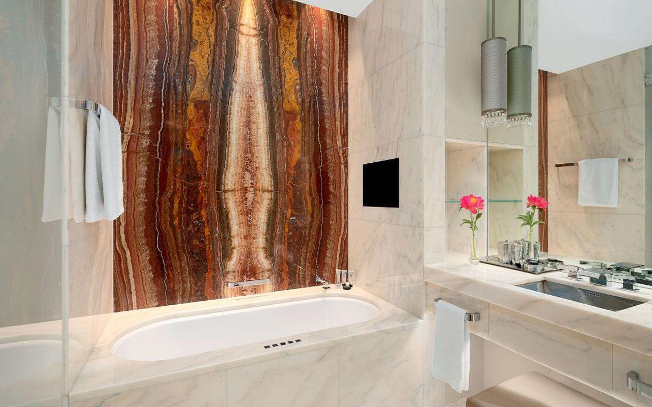 Park-Hyatt-Vienna-P869-Twin-Deluxe-Bathroom.16x9.adapt.1280.720
