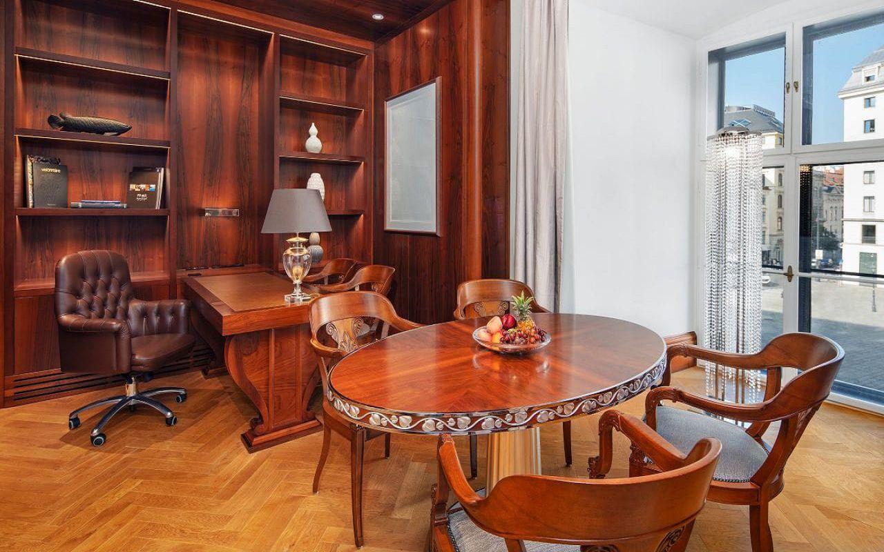 Park-Hyatt-Vienna-P877-Ambassador-Suite-Dining.16x9.adapt.1280.720