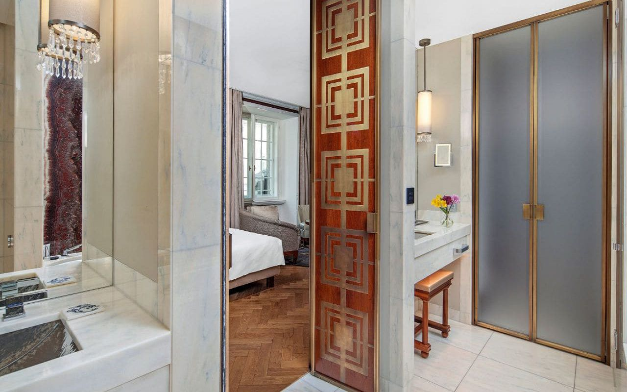 Park-Hyatt-Vienna-P881-Junior-Suite-King-Bathroom.16x9.adapt.1280.720