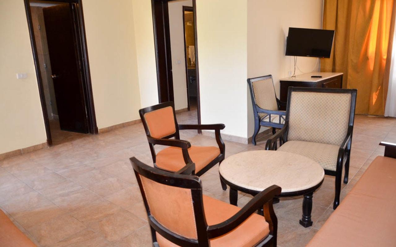 Parrotel Aqua Park Resort_familyroom_09-min