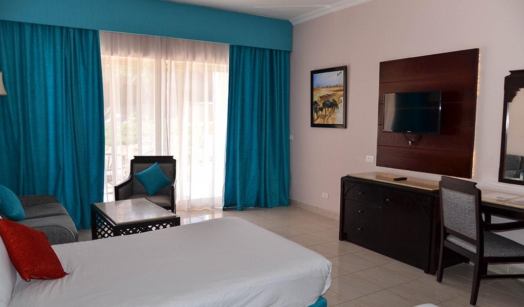 Parrotel Beach resort_standard_02-min