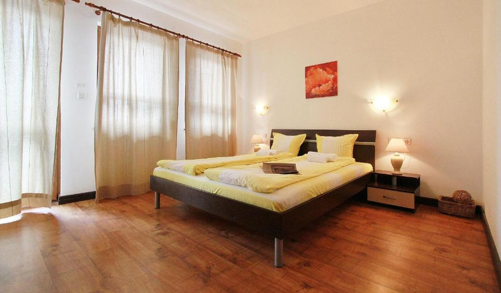 Pearl Apartments (8)