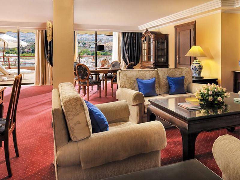 Penthouse Suites3