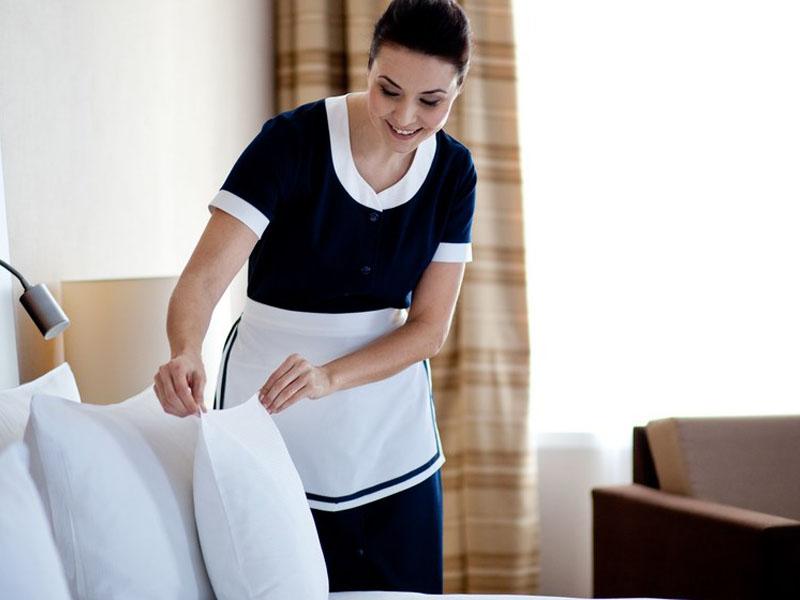Polonia_Palace_Hotel_Room_Maid