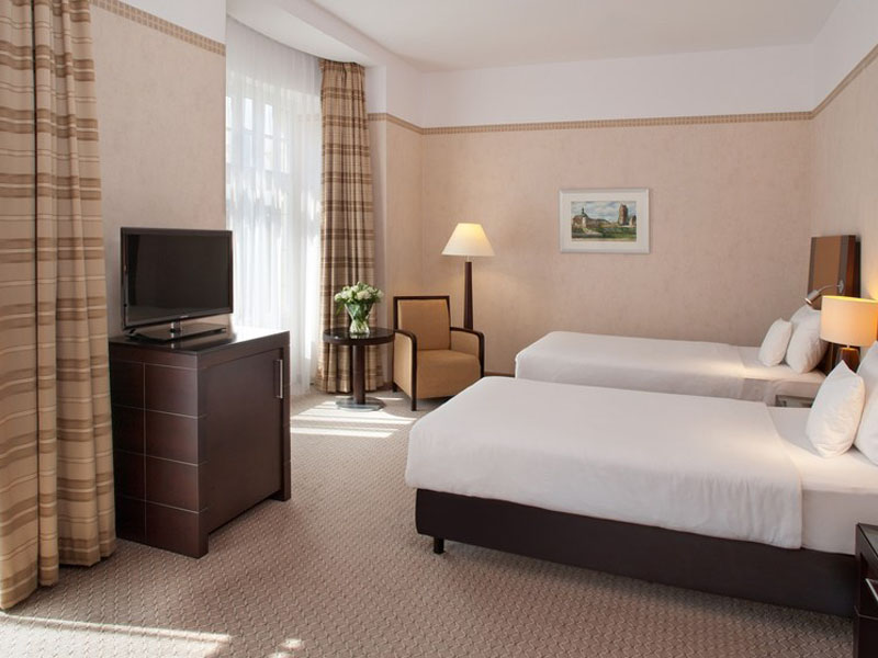 Polonia_Palace_Superior_Twin_Room_01