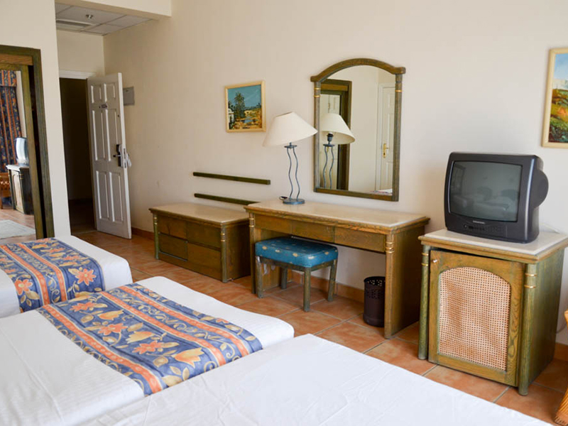 Pool & Sea Side View Room (8)