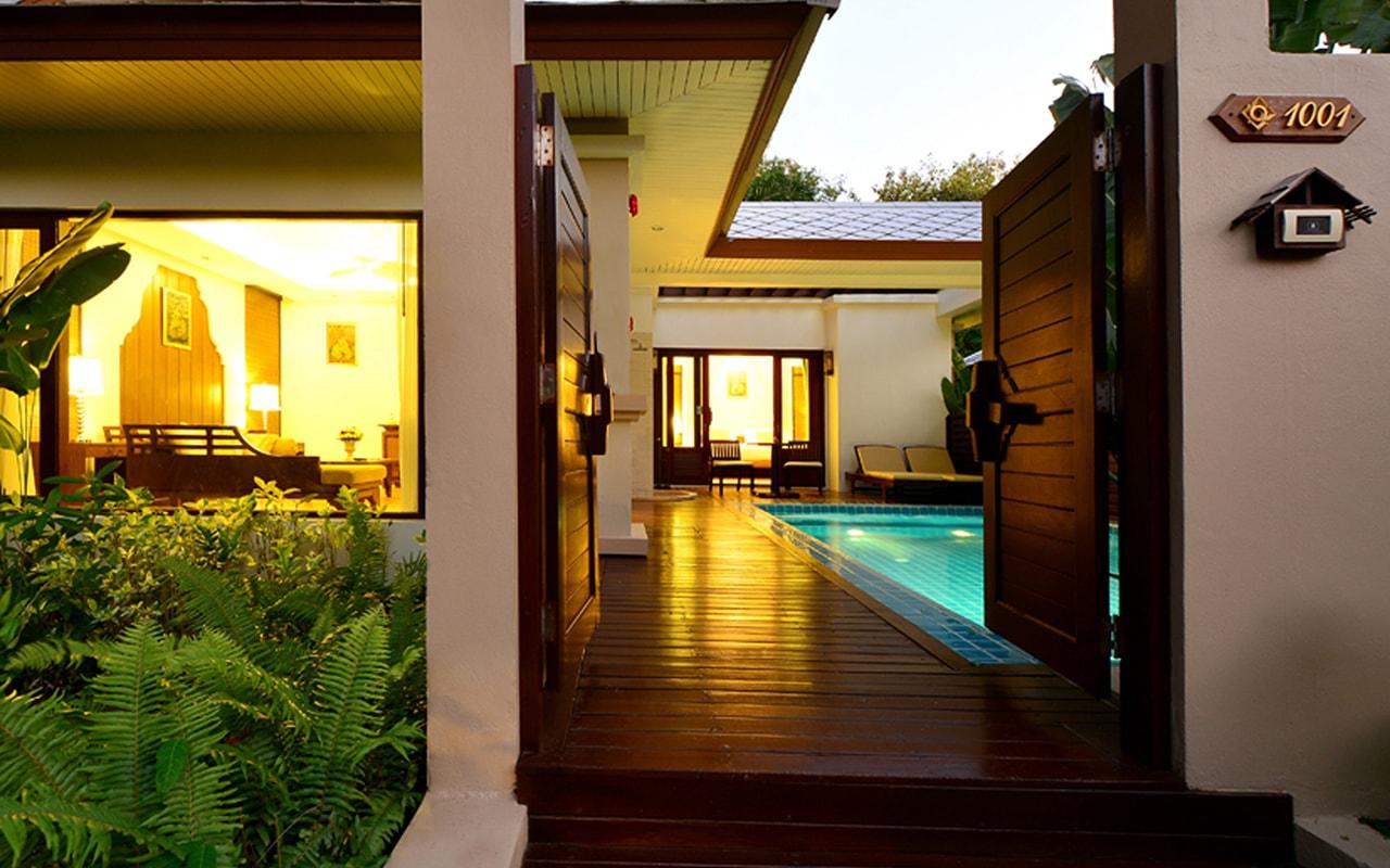 Pool Villa_Extrance 1-min