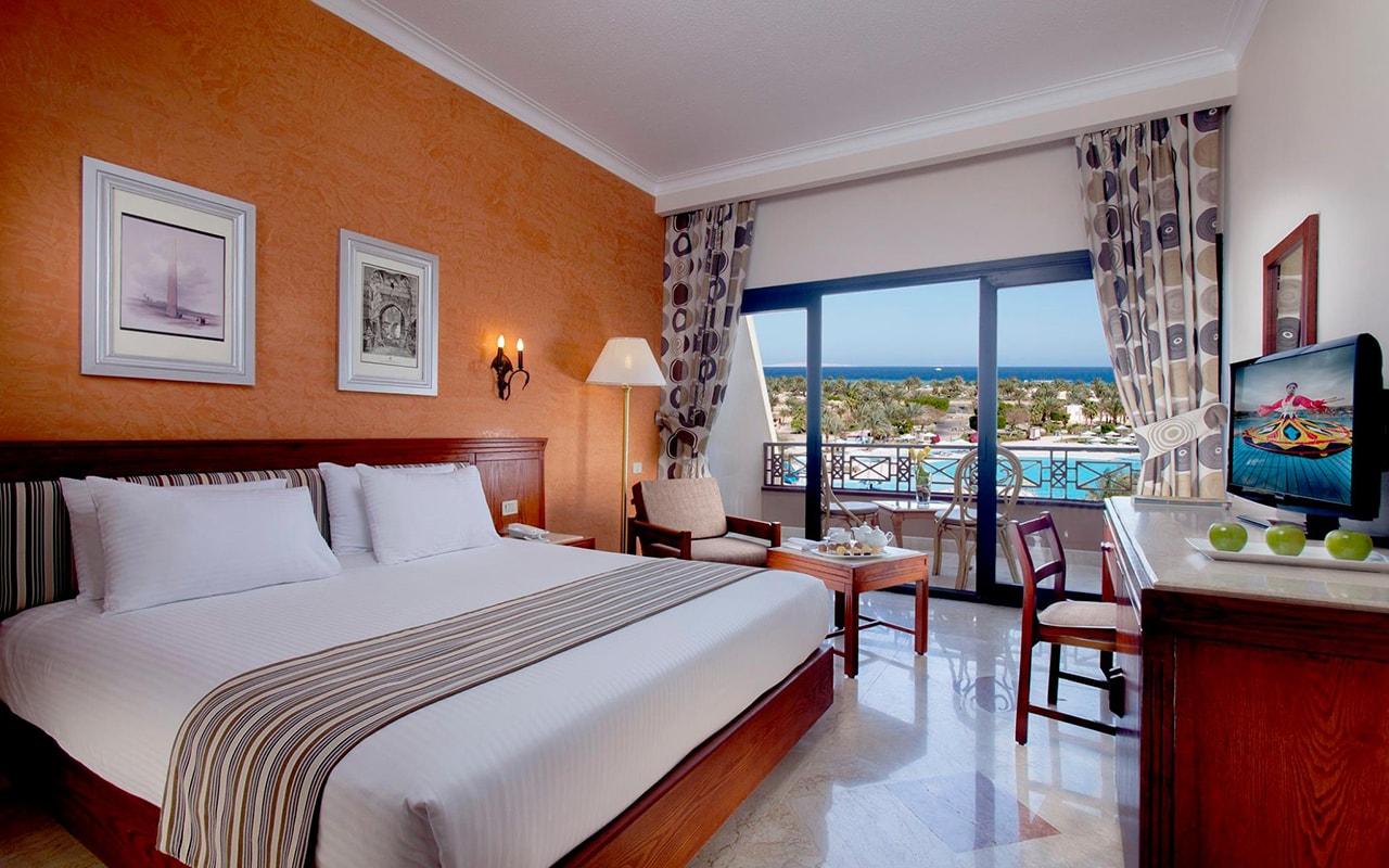 Pool or Sea View Room-min
