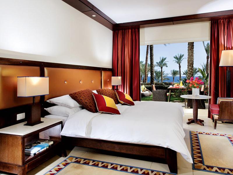 Premium Beach Front Room (2)