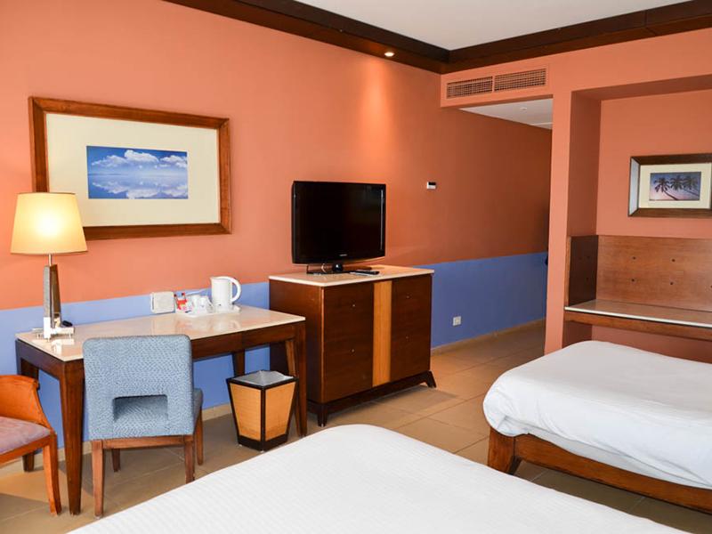 Premium Beach Front Room (7)