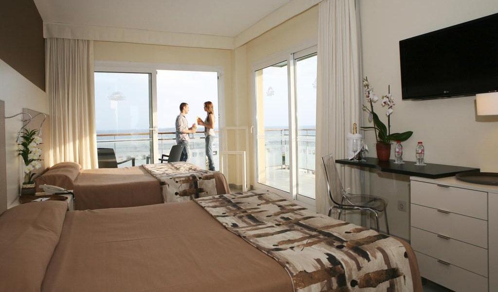 Premium Double Room9-min