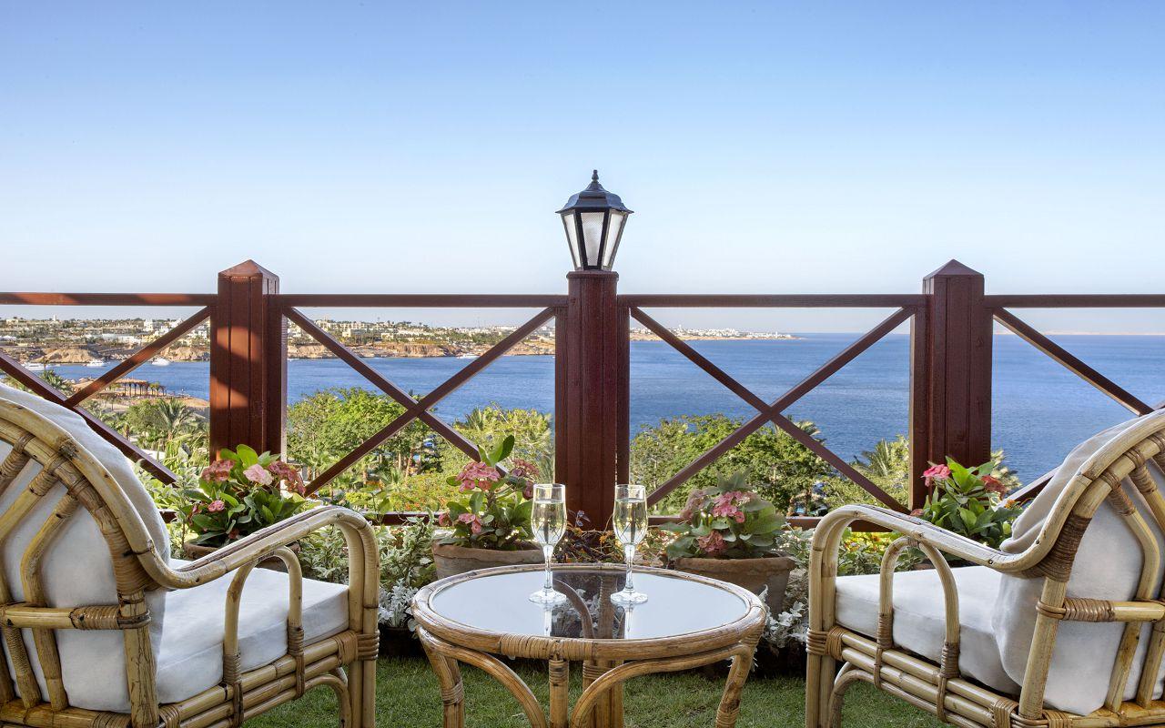 Premium Jacuzzi Rooms with Sea View 05