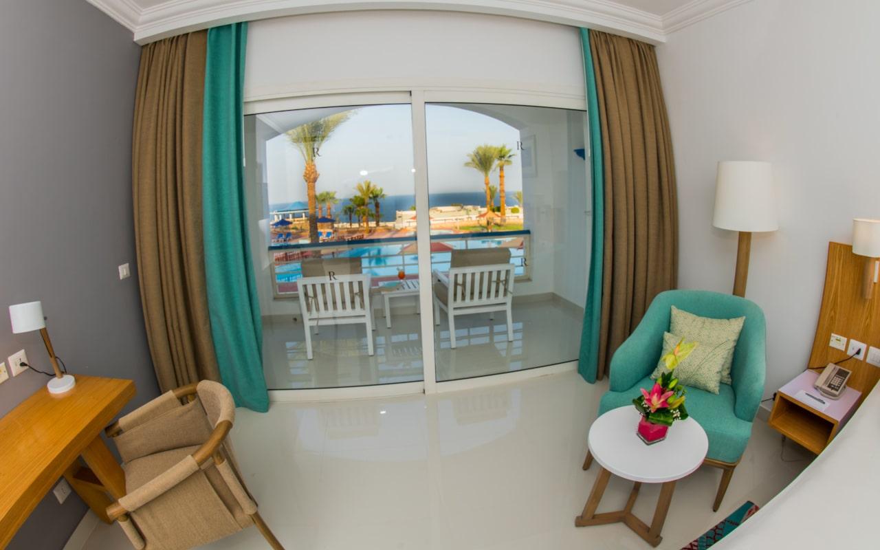 Premium Sea View Room_04-min