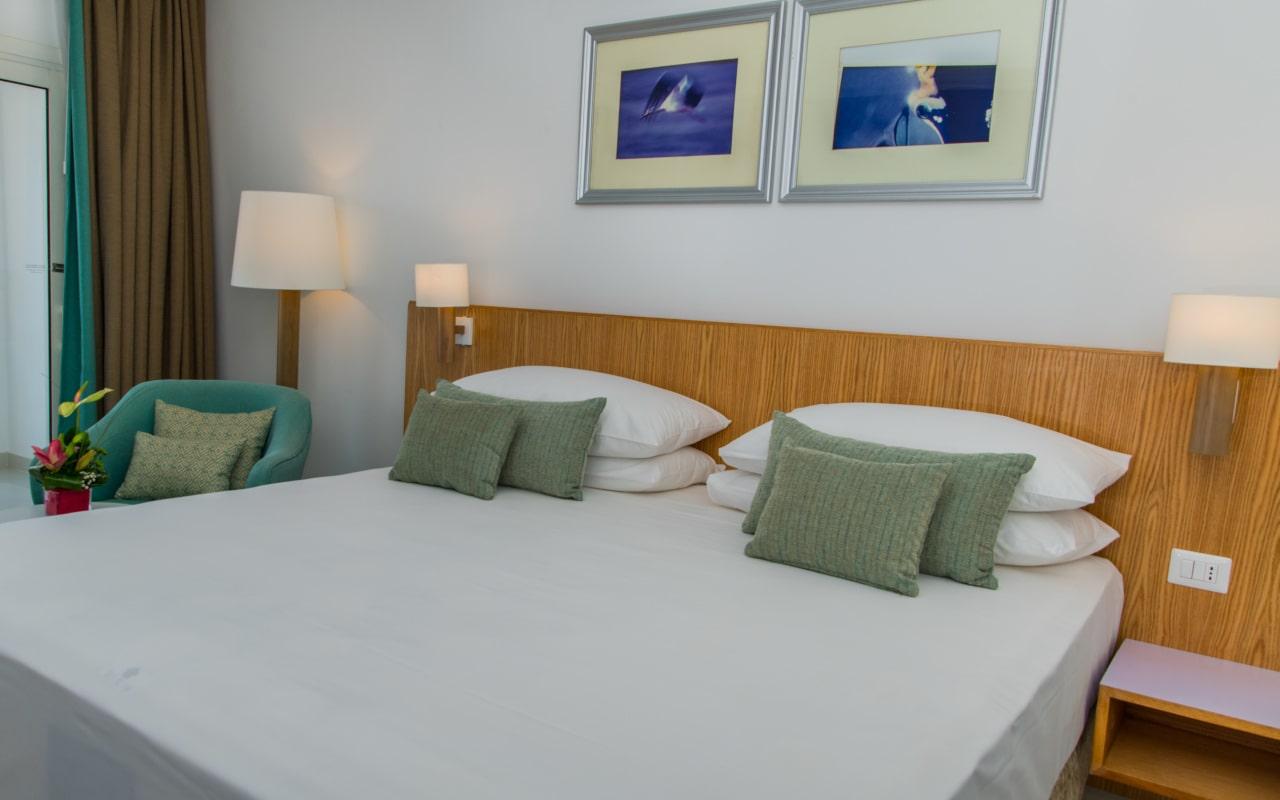 Premium Sea View Room_09-min