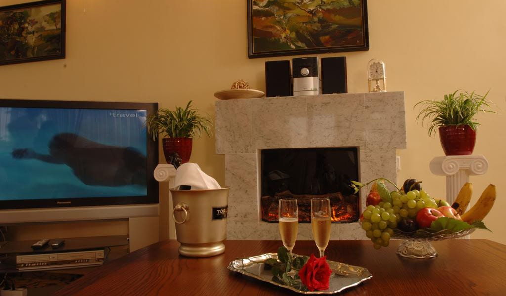 President Suite for 2 Persons 2-min