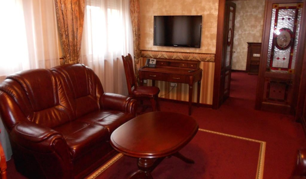 Presidential Suite -min