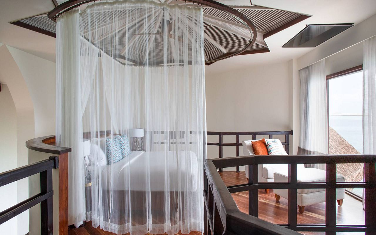 Private Ocean Retreat with Slide (6)