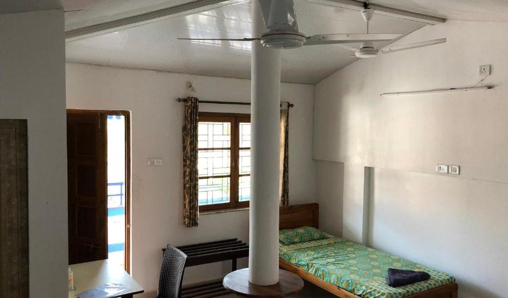 Quadruple-Room-with-Balcony4-min