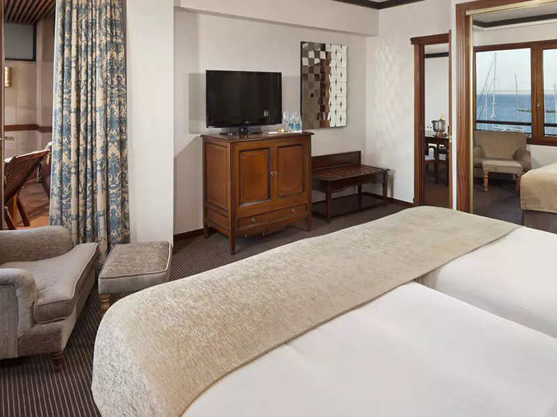 RED LEVEL GRAND SUITE5_1