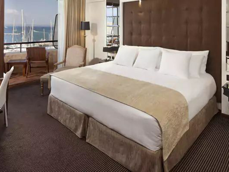 REDLEVEL PREMIUM ROOM FRONT SEA & CATHEDRAL VIEW_1