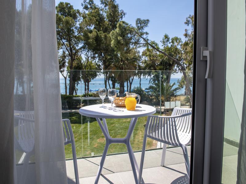 Radisson Blu Hotel Larnaca_0000_view1