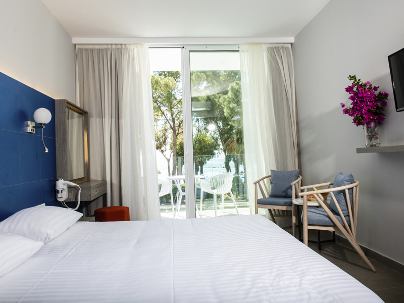 Radisson Blu Hotel Larnaca_0003_sea view room 3