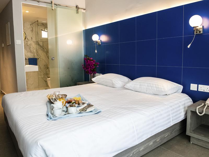 Radisson Blu Hotel Larnaca_0004_inland view room