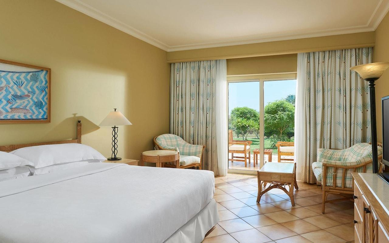 Resort View Room_03-min