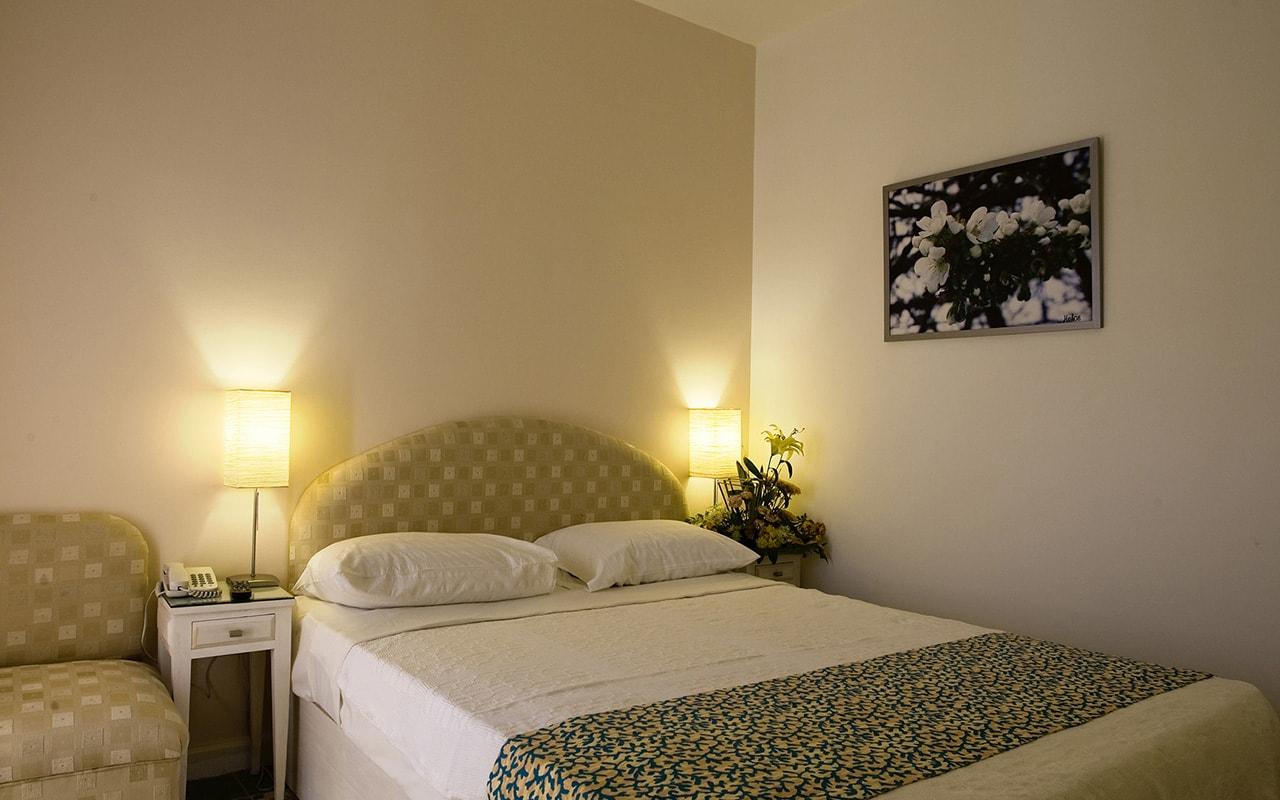 Rihana_Inn_Honeymoon_Room_Gouna-min