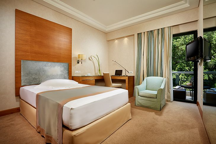 Rodos-Park-Luxury-boutique-hotel-in-Rhodes-business-room-featured