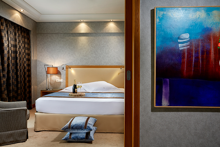Rodos-Park-Luxury-boutique-hotel-in-Rhodes-junior-suite_featured