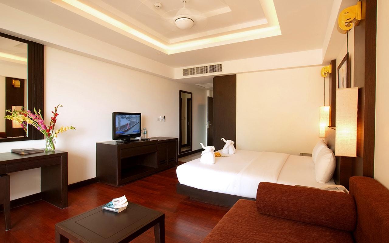 Room Hillside + Polview Deluxe Building 001-min