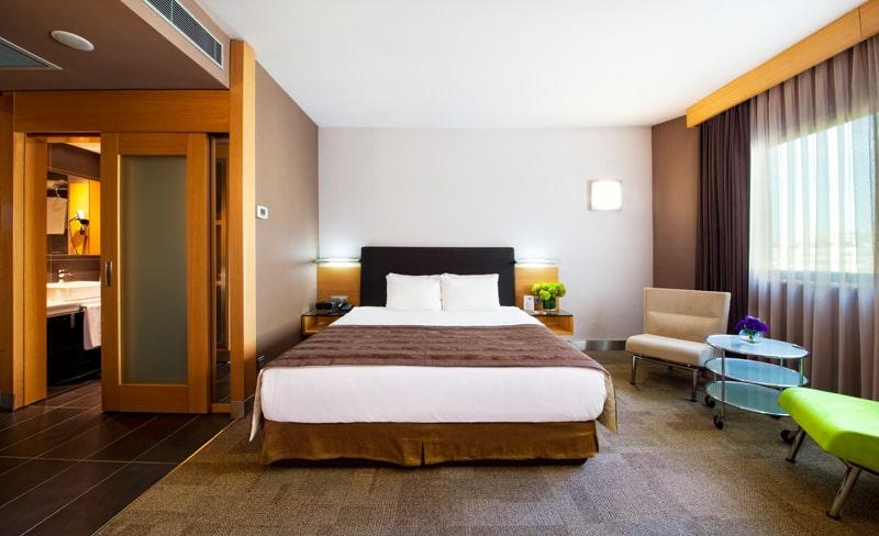 Room99-min