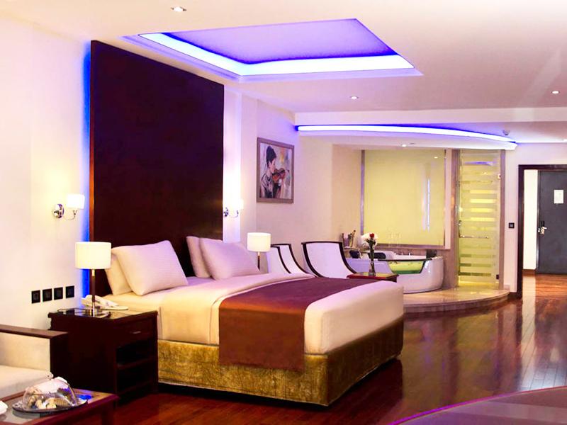 Royal Savoy Junior Suite (3)