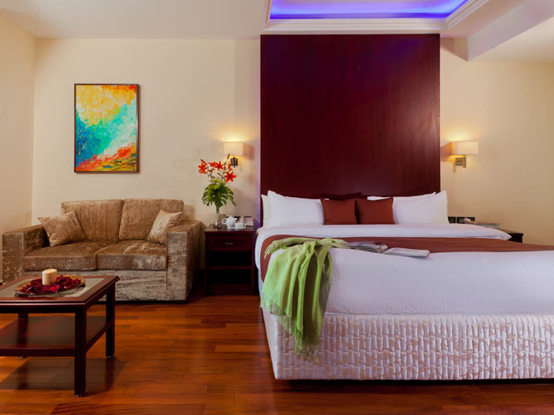 Royal Savoy Two-Bedroom Suite (4)