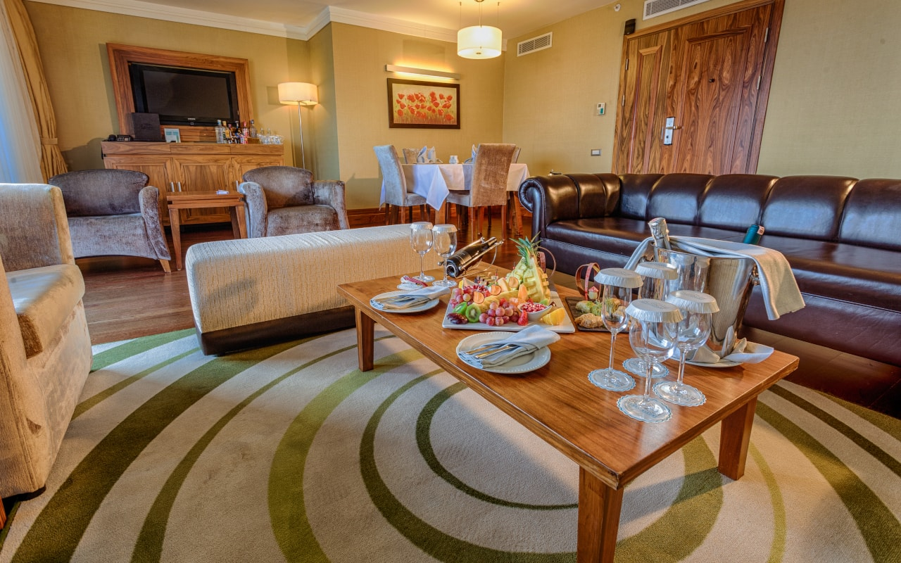 Royal Suite Living Room-1-min
