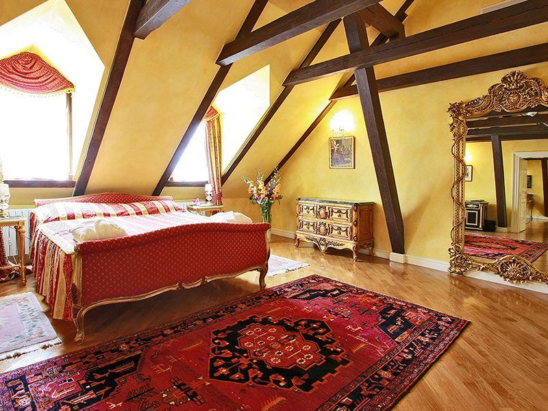 Royal Suites4