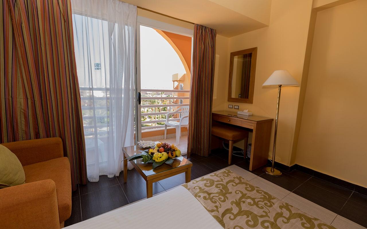 SEA VIEW Room (Balcony)-min